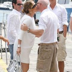 06. Juli 2008: Küsschen, Küsschen! Die Gastgeber Domenico Dolce und Stefano Gabbana mit ihren Gästen
