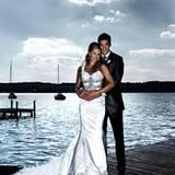 Das frisch angetraute Ehepaar Ballack vor der traumhaften Kulisse am Starnberger See