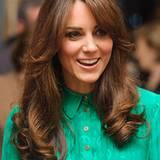 Den Korkenzieher-Locken ist Catherine treu geblieben, jedoch trägt die Herzogin ihr Haar jetzt gestuft.