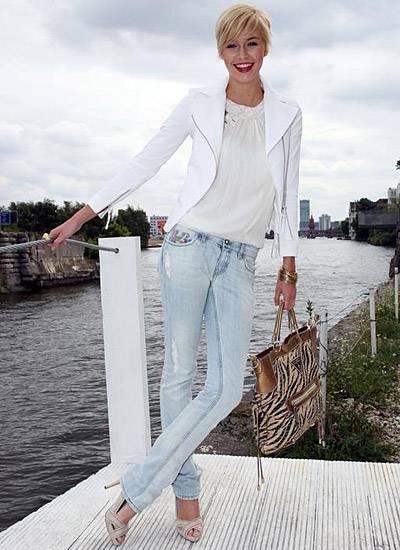 Topmodel Lena Gercke amüsierte sich mit den zahlreichen anderen Gästen auf dem Gala Fashion Brunch