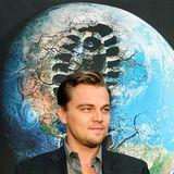 """Leonardo DiCaprio zählt wohl zu den prominentesten Umweltschützern. Unermüdlich macht der Schauspieler auf die Konsequenzen durch den Klimawandel aufmerksam und hat bereits mit Dokumentarfilmen wie """"11th Hour"""" oder """"Ice on Fire"""" von sich Reden gemacht."""