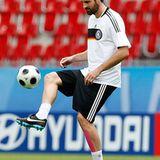 Christoph Metzelder, 27, deutscher Nationalfußballer, Partygänger mit modisch sicherem Auftreten