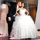 """18. August 2011: Bei """"Madame Tussauds"""" in Hollywood wird eine Wachsfigur von Kim Kardashian im Hochzeitskleid enthüllt. Bei dem"""