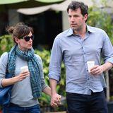 18. Februar 2014  Mal ganz ohne Kinder sind Jennifer Garner und Ben Affleck in Hollywood unterwegs. Sie treffen sich für einen kurzen Spaziergang mit Coffee To Go und fahren dann in getrennten Autos weg.