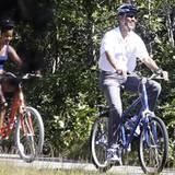 Der mächtigste Mann der Welt macht mit seiner Tochter einen Fahrradausflug.
