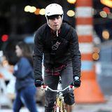 Ewan McGregor setzt beim Radfahren auf Sicherheit.