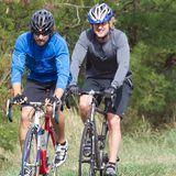 Im Urlaub auf Hawaii macht Owen Wilson mit einem Freund eine Fahrradtour.