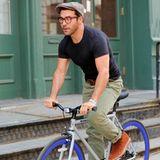 Jeremy Piven fährt mit seinem auffälligen Fahrrad durch New York.