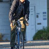 """Aaron Paul ist diesmal für seinen neuen Film """"Come and find me"""" mit dem Rennrad unterwegs."""