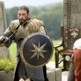 """Filmszene aus """"Prinz Kaspian von Narnia"""": Sergio Castellitto spielt """"König Miraz"""""""