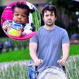 Ron Livingston mit seiner Adoptivtochter Gracie James  Der Schauspieler und seine Frau Rosemarie DeWitt haben Gracie James im Mai 2013 adoptiert.