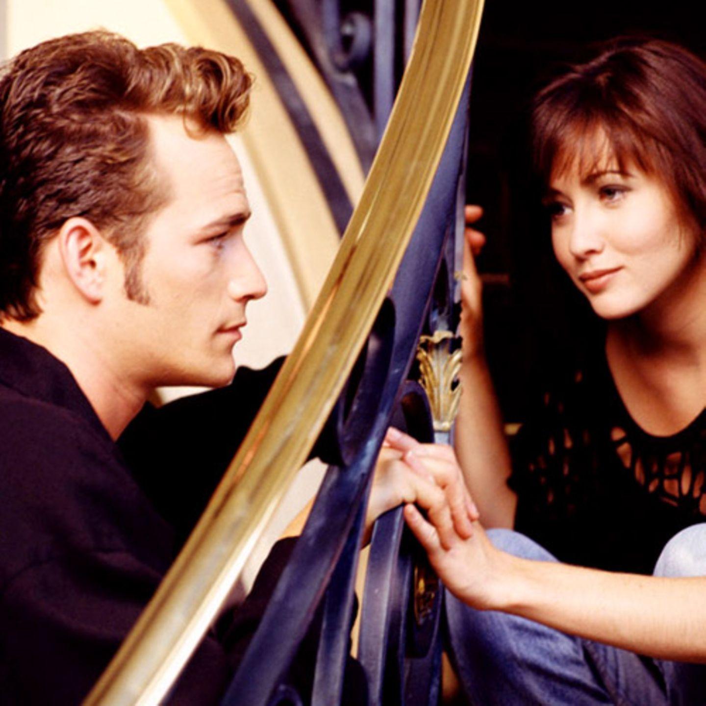 In der zweiten Staffel zieht Dylan sogar für kurze Zeit zu den Walshs. Nach einem Kuss mit Brenda fliegt er allerdings raus