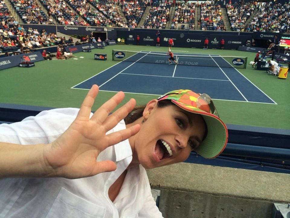 """Shania Twain sieht sich ein Tennis-Match beim """"Rogers Cup"""" in Toronto an."""