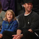 Chris Martin und Sohn Moses verbringen einen echten Männertag und schauen sich gemeinsam ein Basketballspiel der Lakers an.