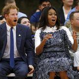 """Prinz Harry und Michelle Obama fiebern gemeinsam mit bei einem Basketballspiel der """"Wounded Warriors""""."""