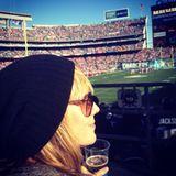 Heidi Klum feuert die Footballer der San Diego Chargers im Stadion an.