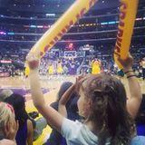 Jessica Alba geht mit Tochter Honor zum Basketball der Los Angeles Lakers - die Kleine feuert die Mannschaft an wie ein Profi.