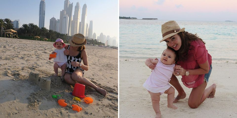 Tamara Ecclestone baut mit Töchterchen Sophia am Strand von Dubai eine Sandburg.