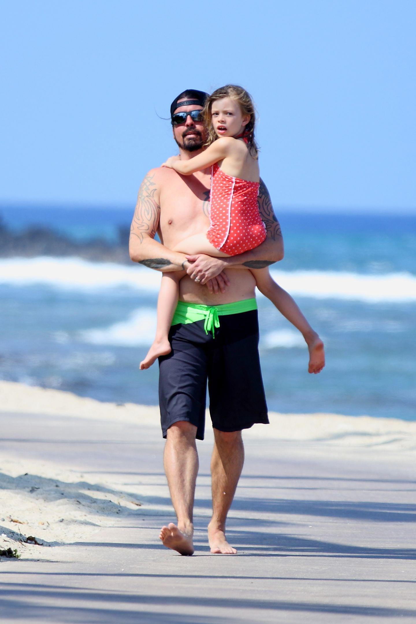 """""""Foo Fighters""""-Sänger Dave Grohl erholt sich mit der Familie auf Hawaii."""