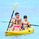 Hollands Fußballstar Robin van Persie urlaubt nach der WM mit seiner Familie in der Karibik.