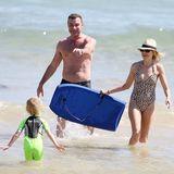 Naomi Watts mit Partner Liev Schreiber und dem gemeinsamen Sohn am Strand von Sydney.