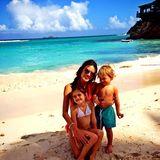 Alessandra Ambrosio macht mit ihren Kinder Anja und Noah Urlaub auf Guadeloupe.