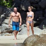 An diesen Körpern gibt es nichts zu mäkeln: Rosie Huntington-Whiteley und ihr Freund Jason Statham genießen ihre gemeinsame Zeit an einem Strand in Thailand.