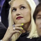 Sängerin und Modedesignerin Gwen Stefani kombiniert zu ihrem platinblonden Longbob gerne tiefrote Lippen und hat nun mit ihrem N