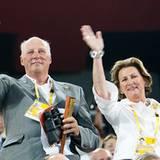 König Harald V und Königin Sonja von Norwegen bei der Eröffnungsfeier der olympischen Spiele