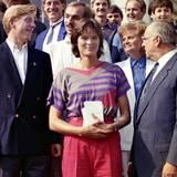 13. September 1985: Der ehemalige Bundeskanzler Helmut Kohl gratuliert Boris zu seinem Sieg in Wimbledon