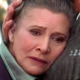 """Carrie Fisher spielte 1977 erstmals die Rolle der """"Prinzessin Leia"""". Für den siebten Teil der kultigen """"Star Wars""""-Reihe kehrt sie nun sichtlich gealtert vor die Kamera zurück."""