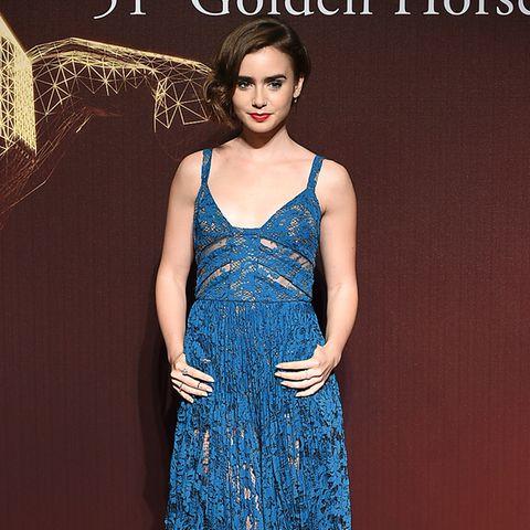 Einen besonders eleganten Eindruck hinterlässt Lily Collins in blauer Spitzenrobe bei den Gästen der Golden Horse Film Awards in Taiwan.