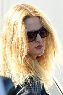 Fünf Stunden soll Drew Barrymore im Haarsalon verbracht haben, um ihn danach mit blonder Mähne wieder zu verlassen.