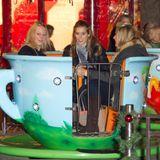 """Prinzessin Beatrice vergnügt sich mit ihren Freundinnen im """"Hyde Park Winter Wonderland"""" in London."""