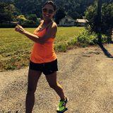 Die schwangere Nazan Eckes hält sich fit mit Walken.