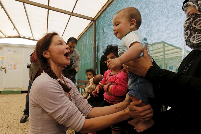 Ashley Judd ist in ihrer Funktion als Goodwill-Botschafterin für den U.N. Population Fund (UNFPA) im jordanischen Mafraq und besucht ein Flüchtlingscamp mit syrischen Kindern.