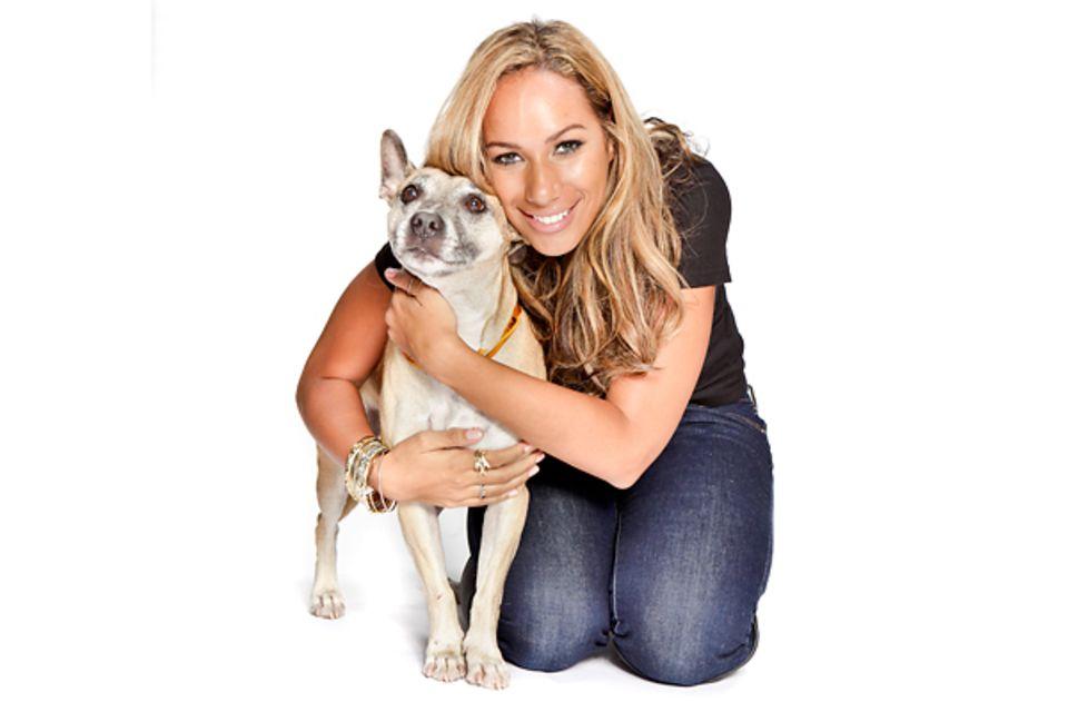 14. Juni 2012: Mit einem Foto von sich und Familienhund Misty ruft die Sängerin Leona Lewis bei den Vereinten Nationen und Regie