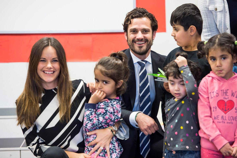 Prinzessin Sofia und Prinz Carl Philip besuchen die Provinz Dalarna, wo sie Flüchtlinge treffen.