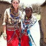 """Olivia Palermo unterstützt das """"Maasai Project"""" bei dem Frauen eine berufliche Selbstständigkeit ermöglicht wird."""