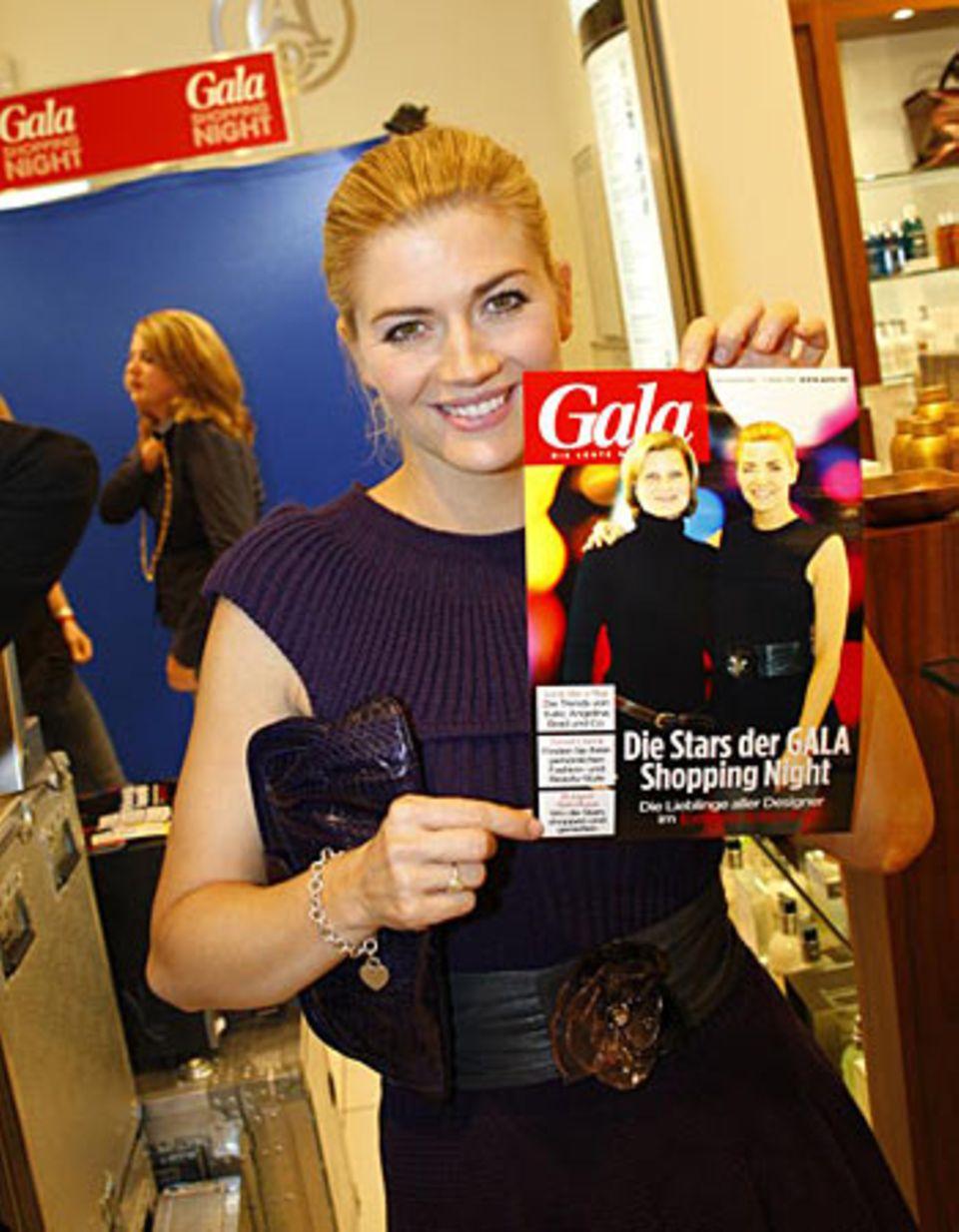 GALA Shopping Night: Schauspielerin Nina Bott im GALA-Fotostudio