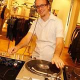 GALA Shopping Night: DJ Phillie Deluxe