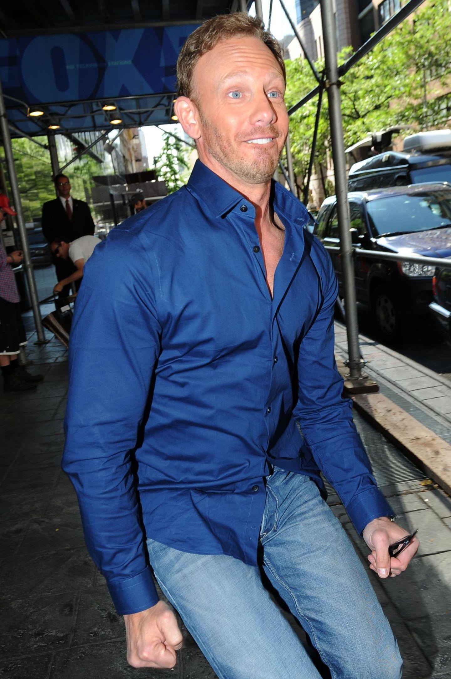 Als Ian Ziering die Fox Studios in Manhattan verlässt, ist er zu Scherzen aufgelegt.