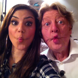 """Nach dem Dreh fürs """"Promi Dinner"""" machen Tanja Tischewitsch und Walter Freiwald ein lustiges Selfie"""