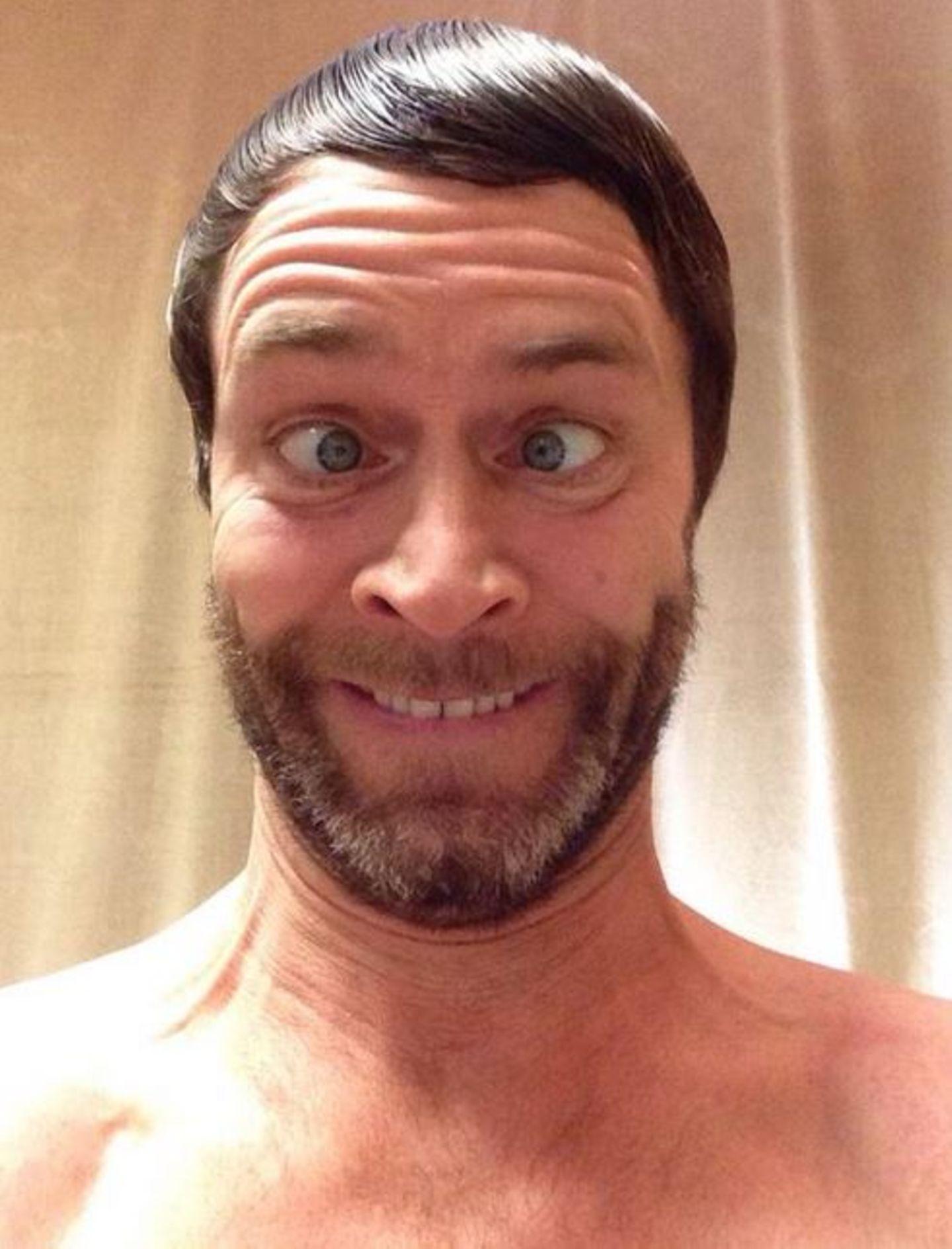"""""""Take That""""-Sänger Howard Donald zeigt auf seinem Instagramprofil sein schönstes Gesicht."""