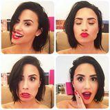 Demi Lovatos Make-up sitzt, jetzt nur noch den perfekten Gesichtsausdruck finden und fertig ist das perfekte Selfie.