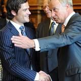 24. September 2008: Prinz Carl Philipp darf sich im goldenen Buch der Stadt verewigen. Danach gibt es noch das obligatorische Hä