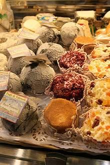 Käse aus aller Welt macht sich nicht nur optisch gut, sondern bereitet Liebhabern die größten Gaumenfreuden.