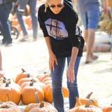 Heidi Klum ist auf Kürbissuche in dem Kürbisfeld in Culver Cty.