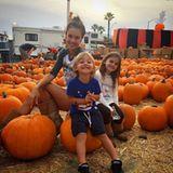Auch Alessandra Ambrosio freut sich mit ihren Kids auf das Halloween-Spektakel.