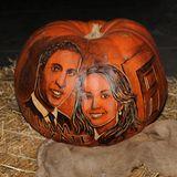 Der Künstler hat sich sicher viel Mühe gegeben, aber leider sieht das Abbild von Prinz William und Herzogin Catherine nicht wirklich gelungen aus.
